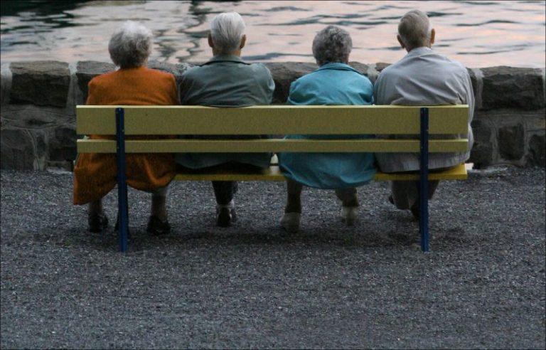 Il consumo di farmaci diminuisce nell'età avanzata