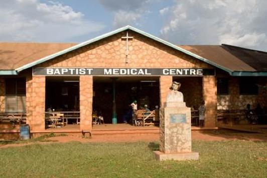 Operation Hernia: chirurgia di qualità per l'Africa