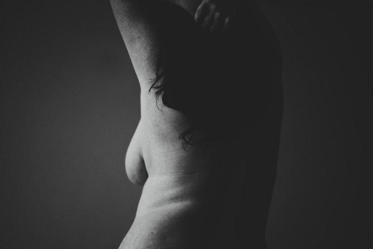 Un'elevata quantità di grasso corporeo nonostante normale BMI dopo la menopausa potrebbe essere legata a maggior rischio di cancro della mammella?