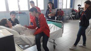 """""""Pazienti simulati"""": una nuova frontiera di formazione infermieristica attraverso il potere dell'interazione umana"""