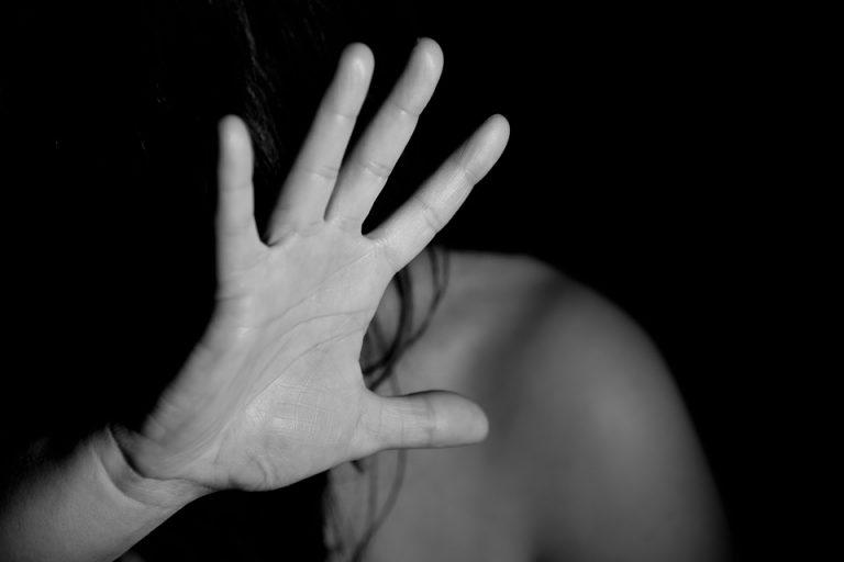 Violenza sessuale: le priorità dell'intervento infermieristico e ostetrico dal sospetto di violenza alla dimissione protetta